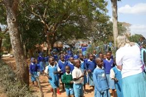 janiewithschoolchildren